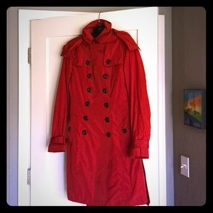 Classic Burberry trench coat 🧥 in red
